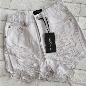 NWT PrettyLittleThing white denim shorts